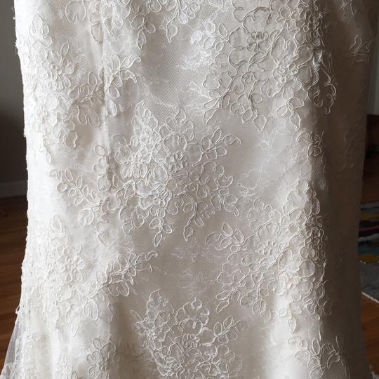 Monique Lhuillier Ivory Silk Basil Traditional Wedding Dress Size 4 (S)