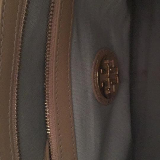 Tory Burch Satchel in Cream Image 5