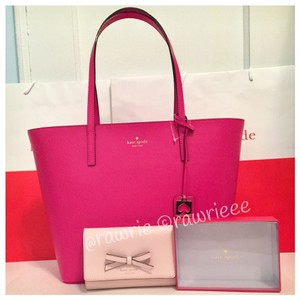 Kate Spade Set Gift Set Handbag Wallet Set Contrasting Tote in Pink