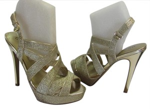 Guess Brand New Spaarkle Size 7.00 M Excellent Condition Gold Platforms
