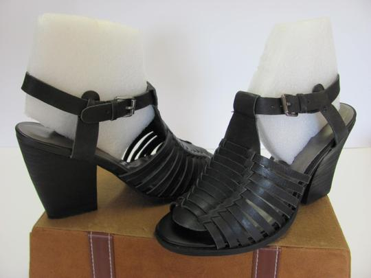 Very Volatile Leather Size 8.00 M Good Condition Black Sandals Image 3
