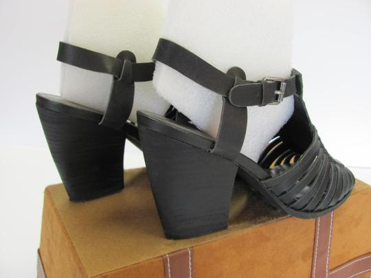 Very Volatile Leather Size 8.00 M Good Condition Black Sandals Image 4