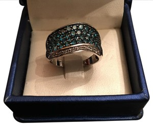 Other ring 14k white gold with teal green round pave diamonds and round pave white diamonds and black rhodium