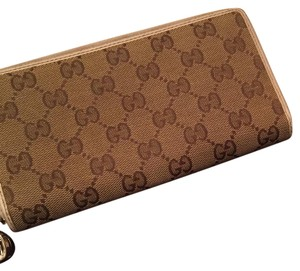 Gucci 12 cardholder zippered wallet