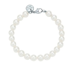Tiffany & Co. Tiffany Essential Pearl Bracelet White Gold Clasp