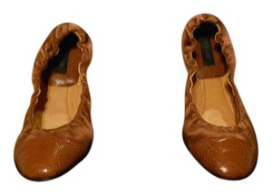 Calvin Klein Collection Leather Cap Toe Rich Color Sophisticated Design Made In Italy Sienna Flats