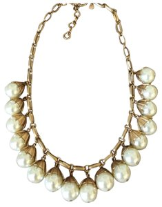 J.Crew j. CREW DROP PEARL NECKLACE IN LIKE NEW CONDITION. SOLD OUT!