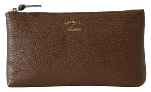 Gucci NIB GUCCI 368881 Swing Leather Zip Top Pouch, Brown