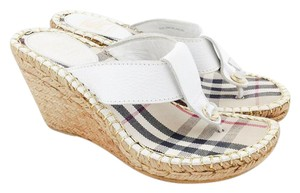Burberry Pebbled Leather Thong Sandals Nova Check White Wedges