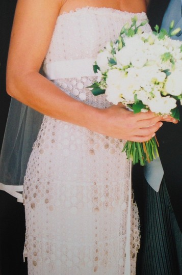 Vera Wang White with Platinum and Silver Threading On Circles Silk Laced Formal Wedding Dress Size 2 (XS)