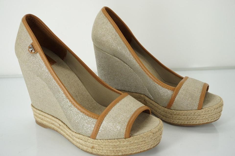 0b43557c5a50cf Tory Burch 052015tbmptwtcrpb New With Defects Logo Open Toe Beige Wedges  Image 9. 12345678910