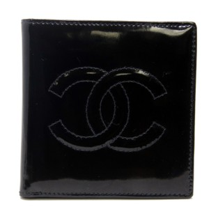 Chanel Chanel Signature CC Monogram Patent Leather Gloss Bi Fold Wallet