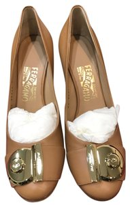 Salvatore Ferragamo Nude Pumps