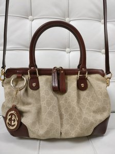 Gucci Sukey Gg Monogram Canvas Satchel in Beige