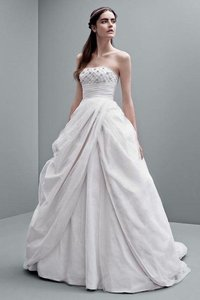 Vera Wang Dirty White Princess Style Feminine Wedding Dress Size 00 (XXS)