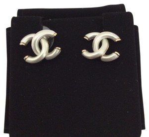Chanel Chanel CC Logo Earrings