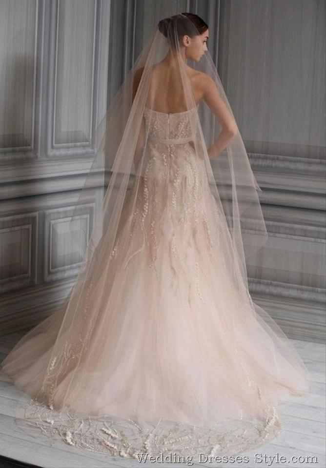 Monique lhuillier blush tulle candy traditional wedding for Monique lhuillier pink wedding dress