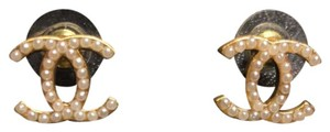 Chanel Chanel large classic gold cc logo earrings with pearls w box