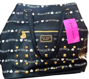 Betsey Johnson Studs On Zip Outside Pocket Brand New Tote in Black/white