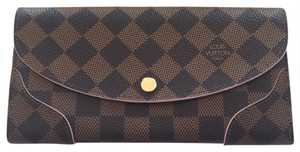 Louis Vuitton Caissa rose Ballerine wallet
