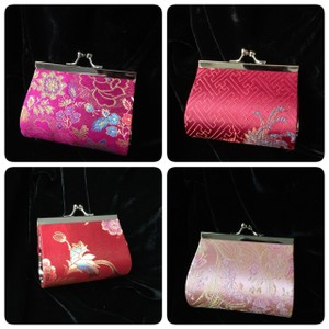 Other Asian style plated gold tone coin/cosmetic case, 3.4 inches x 2.9 inches x 1.6 inches