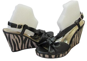 Antonio Melani Size 8.00 M Leather Animal Print Very Good Condition Black, Neutral Wedges