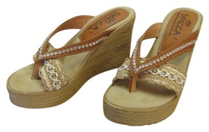 Sbicca Size 8.50 M Rhinestones Excellent Condition Neutral Wedges