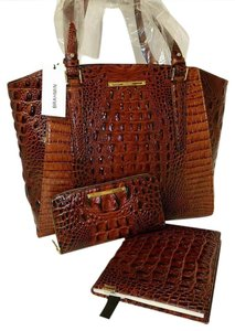 Brahmin Set Wallet Journal Leather Tote in Pecan-Browns