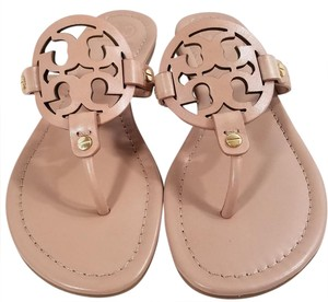 Tory Burch Flip Flops Bold Logo Cutout Leather S/n 21168647 Made In Brazil Makeup Leather Sandals