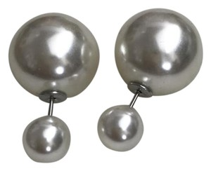 Other Double pearl studs