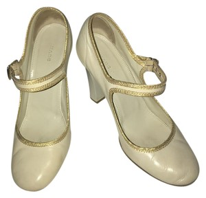 Marc Jacobs Cream/Gold Pumps