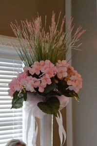 Light Pink and White Eiffle Tower Vase Hydrangea Centerpiece
