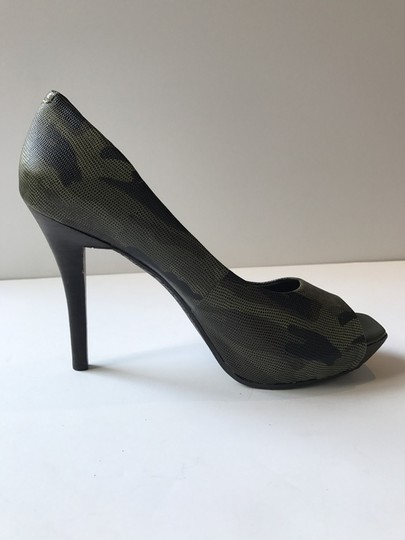 Gianni Bini Camouflage Pumps