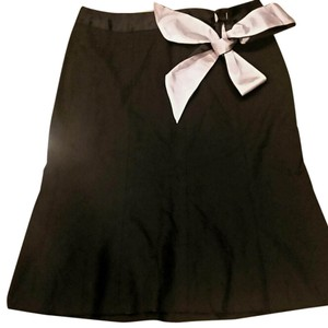 The Limited Skirt Black w/Pink accent.