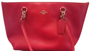 Coach Tote in SV/True Red