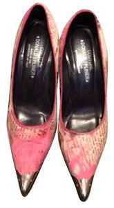 Donald J. Pliner pink patterned faux fur Pumps