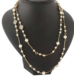 Tory Burch New w/out tags Tory Burch delicate draped chain w/ simulated faux pearls & logo charms