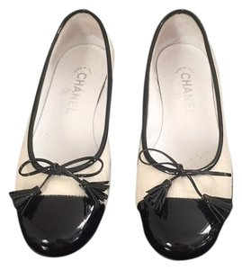 Chanel Leather Fur Logo Pony Hair Flats