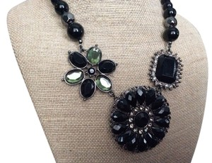 Premier Designs Crochet Necklace