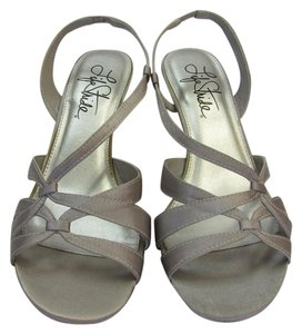 LifeStride Brand New Padded Footbed Excellent Condition Gray Sandals