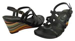 Unlisted by Kenneth Cole Size 6.00 M Very Good Condition Black, Yellow, Green, Neutral Sandals