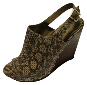 Jessica Simpson Brown Wedges