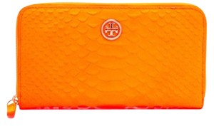 Tory Burch Tory Burch Snake Continental Wallet Clutch