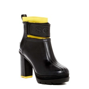 Sorel Yellow and Black Boots