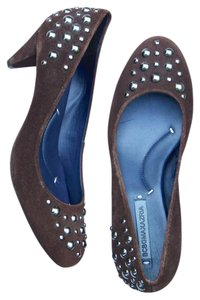 BCBGMAXAZRIA Suede Studded Kitten Comfortable Chocolate Brown Pumps
