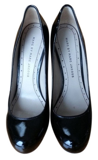 Preload https://item4.tradesy.com/images/marc-jacobs-black-patent-leather-pumps-size-us-7-2079353-0-0.jpg?width=440&height=440