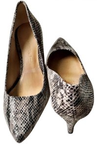 Banana Republic Snakeskin Grey Pumps