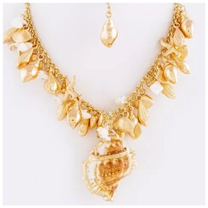 Other D3 Natural Seashell Charm Cluster Necklace