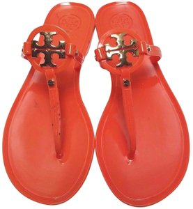 Tory Burch Gold Logo Flip Flops Jelly Thong Poppy Coral Sandals