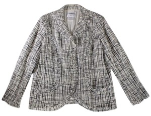 Chanel Boucle white / Black Jacket